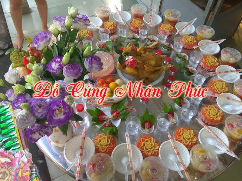 Mâm lễ cúng đầy năm thôi nôi của một bé gái tại Đồng Nai